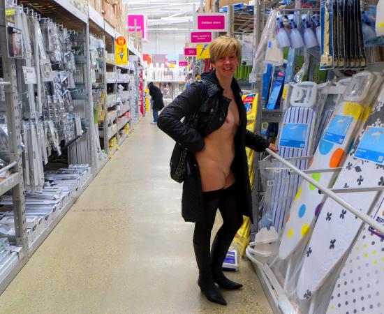 ModestyHardwareStore2